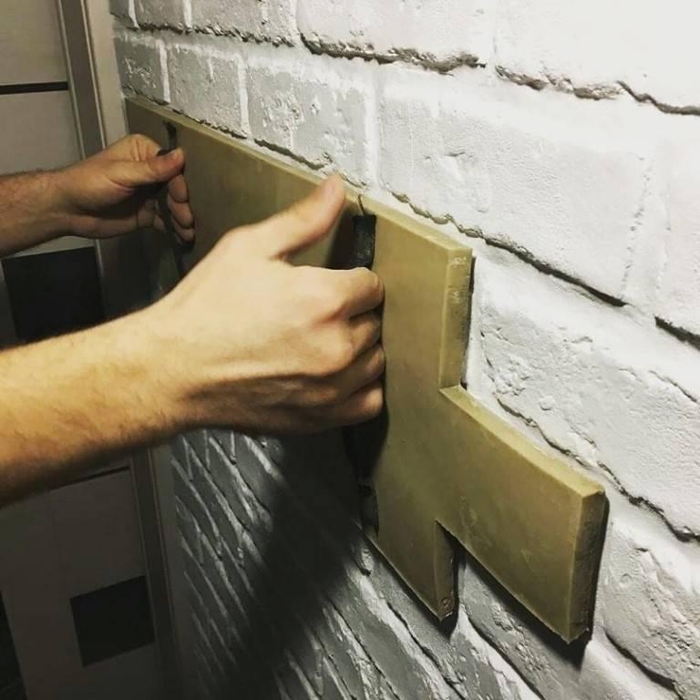 Кирпичная стена из штукатурки своими руками: имитация кладки кирпича, как сделать кирпичики из гипсовой штукатурки