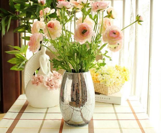 Искусственные цветы из самых разных материалов