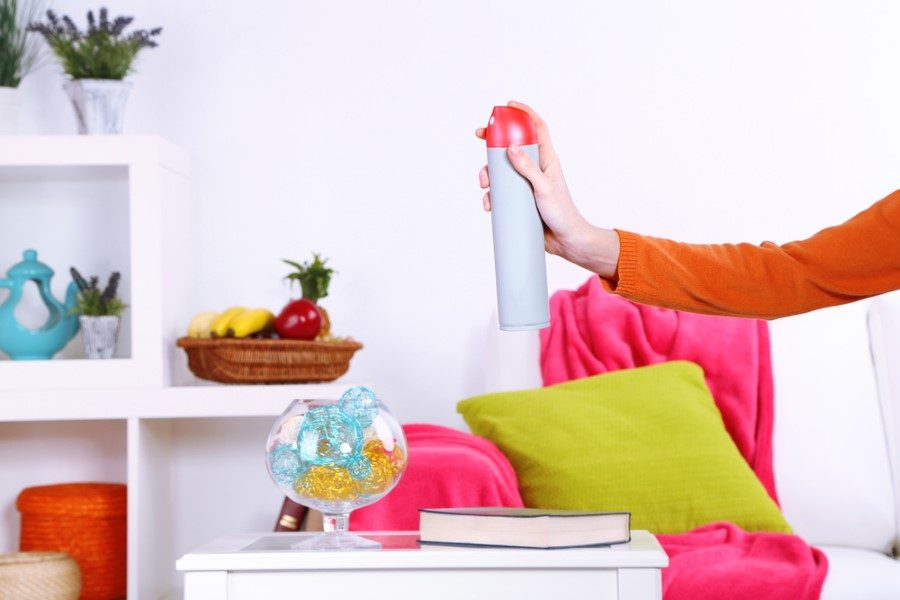 Как избавиться от запаха в шкафу