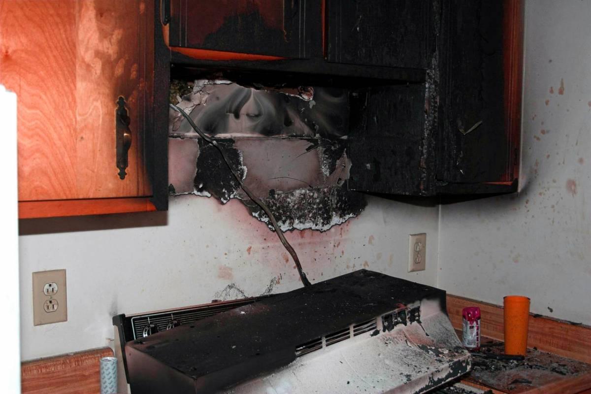 Убираем квартиру и отстирываем одежду после пожара