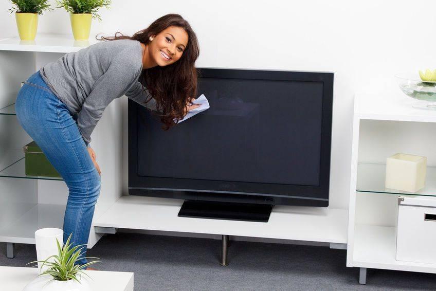 Чем протереть экран жк-телевизора, чтобы не испортить его: 6 эффективных средств