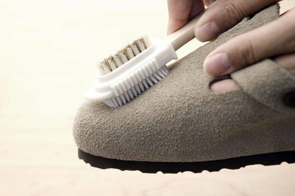 Как ухаживать за замшевой обувью в домашних условиях