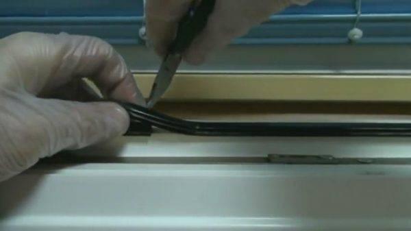 Замена уплотнителя в холодильнике: как сделать самому, на что приклеить уплотнительную резинку