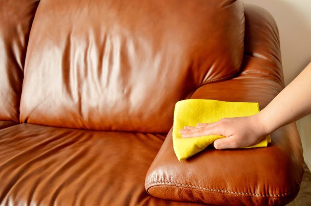 Как убрать чернила с дивана из ткани