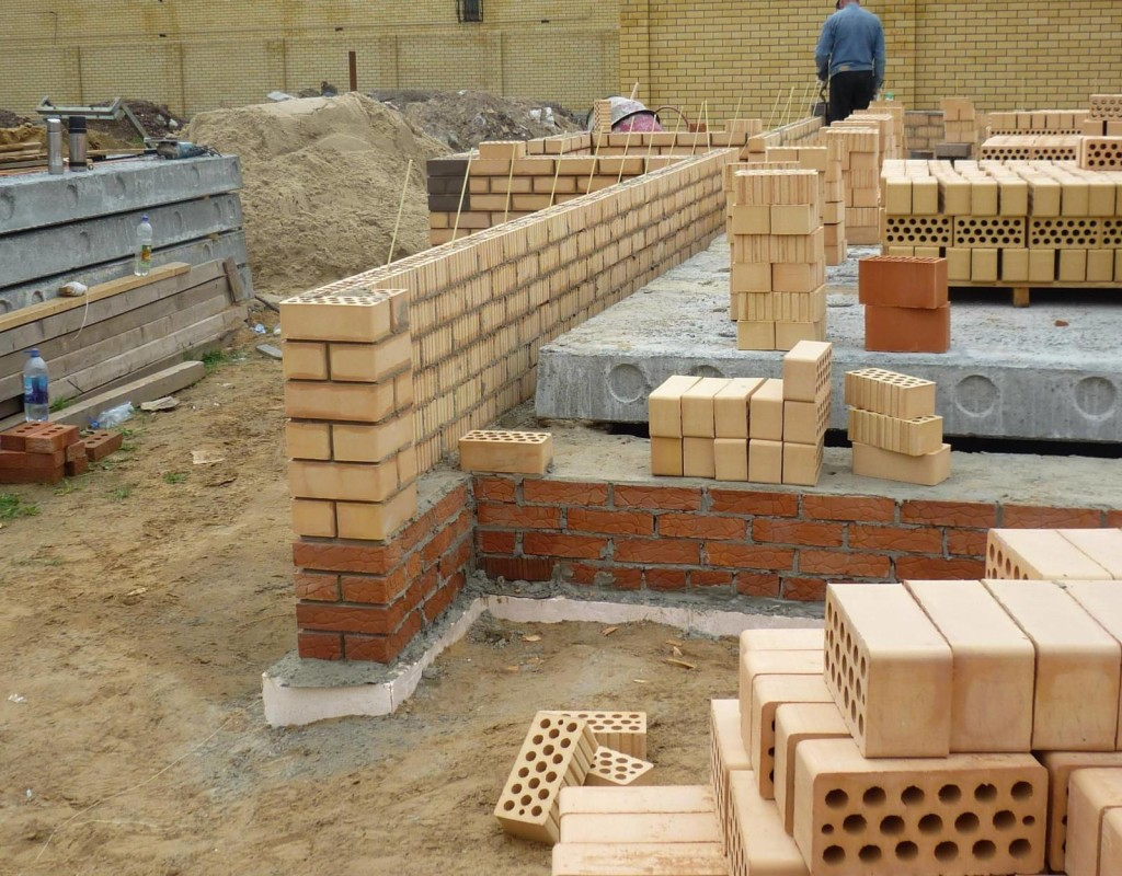 Строительство кирпичного фундамента