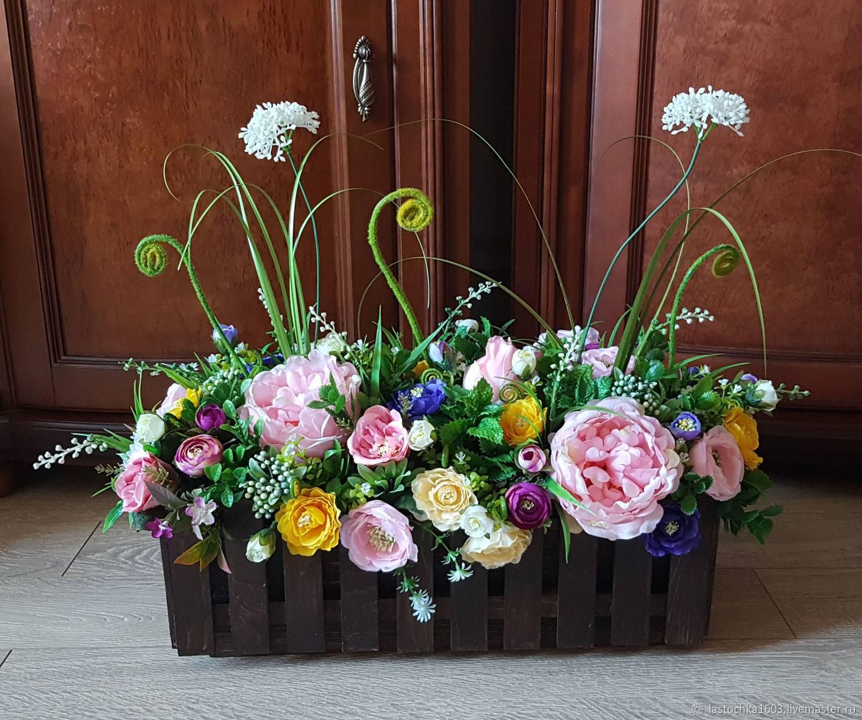 Как украсить домашний интерьер искусственными цветами