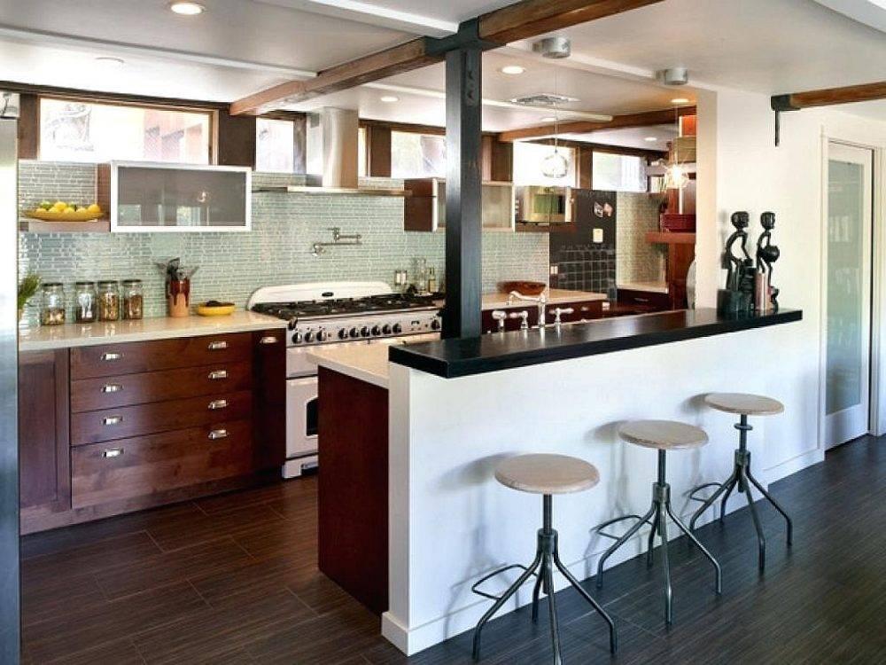 кухня столовая с барной стойкой в частном доме фото