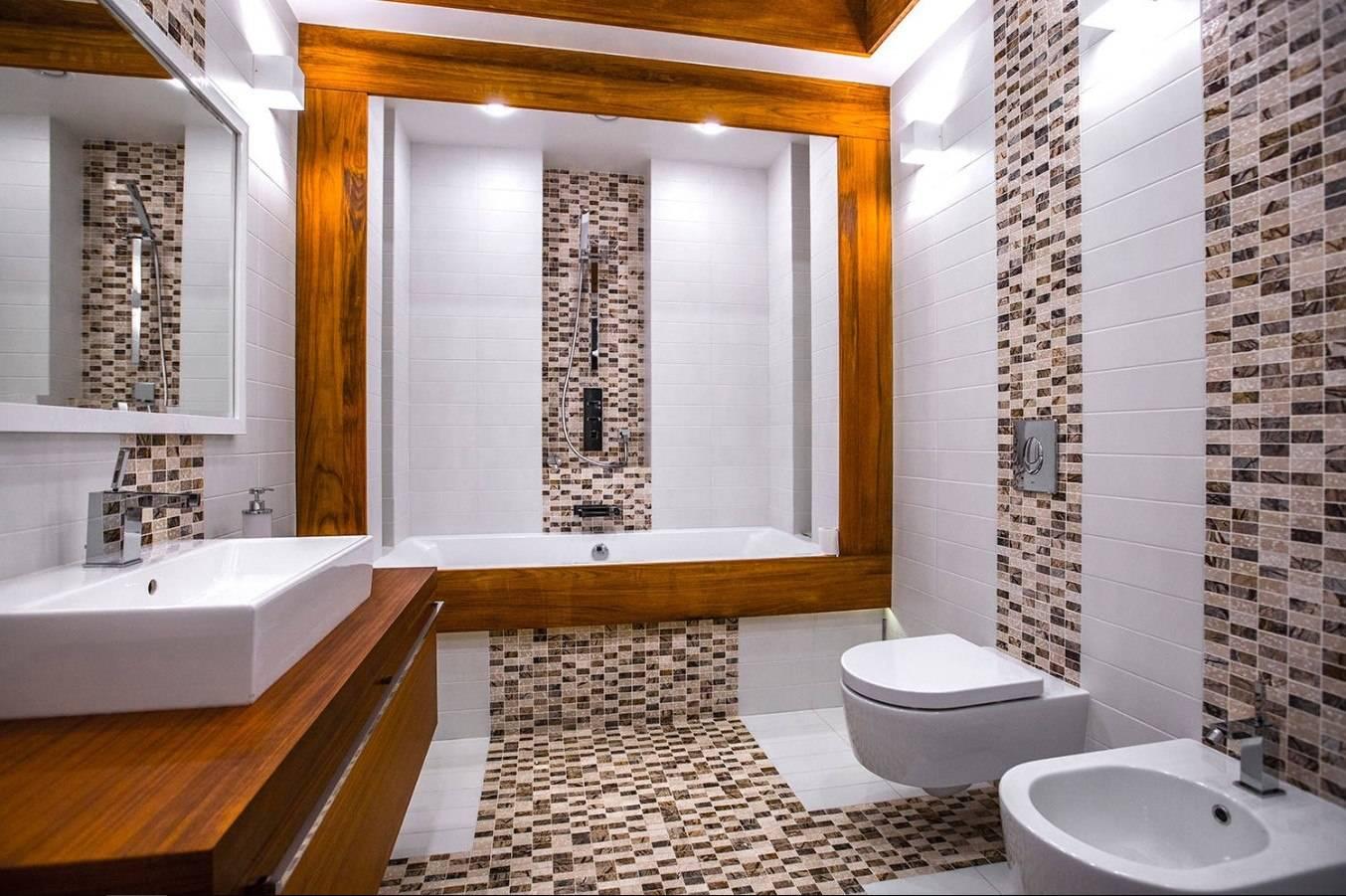 Фото дизайнов ванной комнаты с отделкой пластиковыми панелями, плиткой и мозаикой.