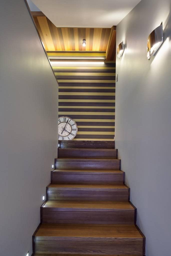 выбор освещение лестницы на второй этаж фото город приезжают