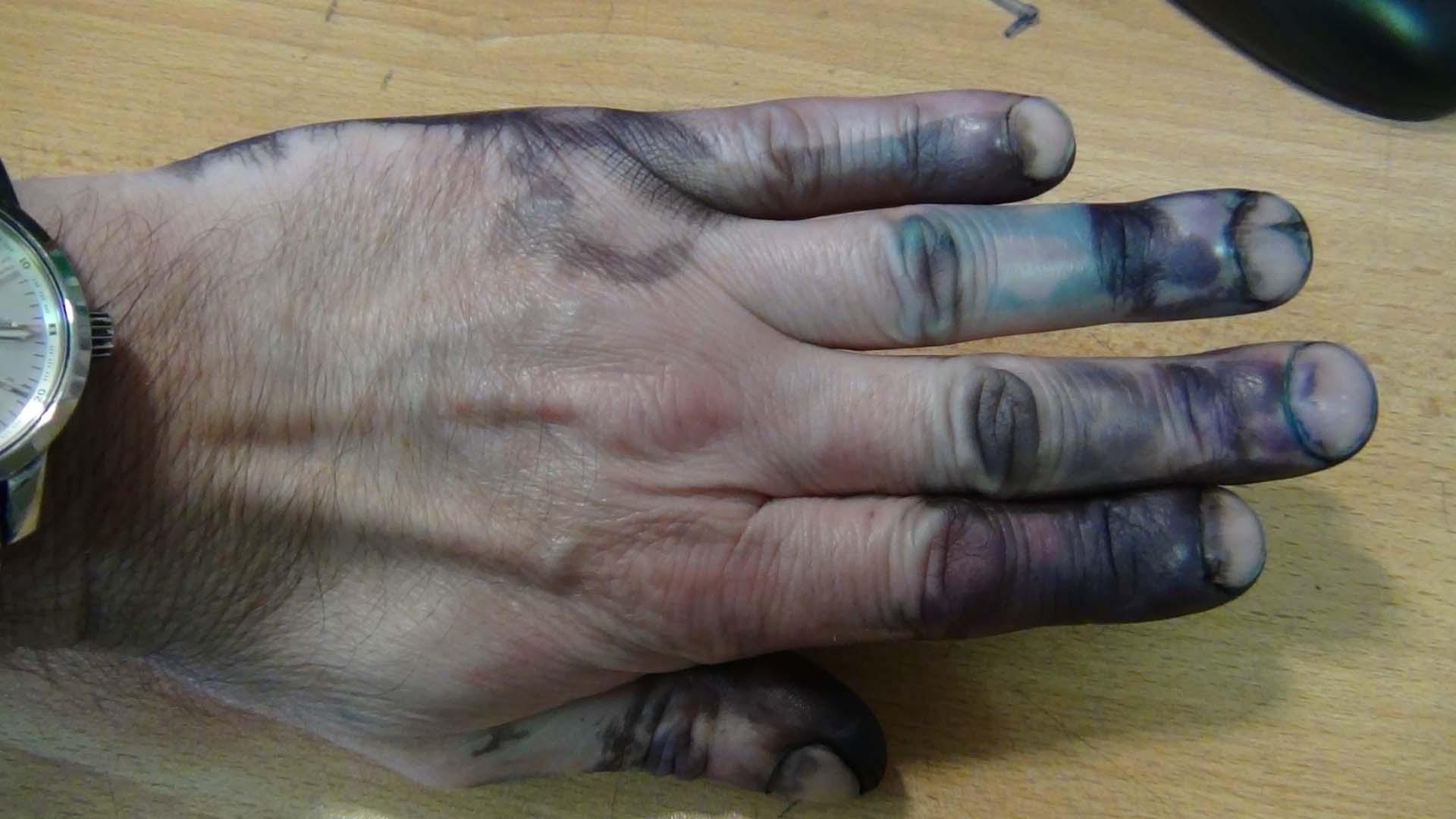 Как отмыть краску от принтера с кожи рук?