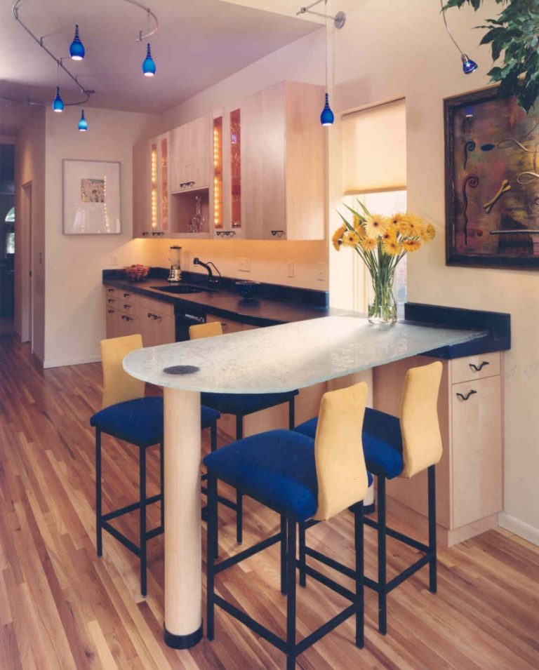 Фото натяжных потолков в гостиной кухне всякий