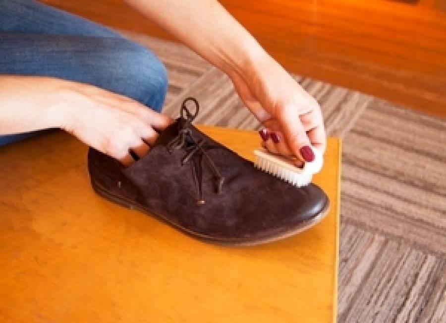 Чем оттереть обувной клей. как и чем можно убрать старый засохший клей с обуви