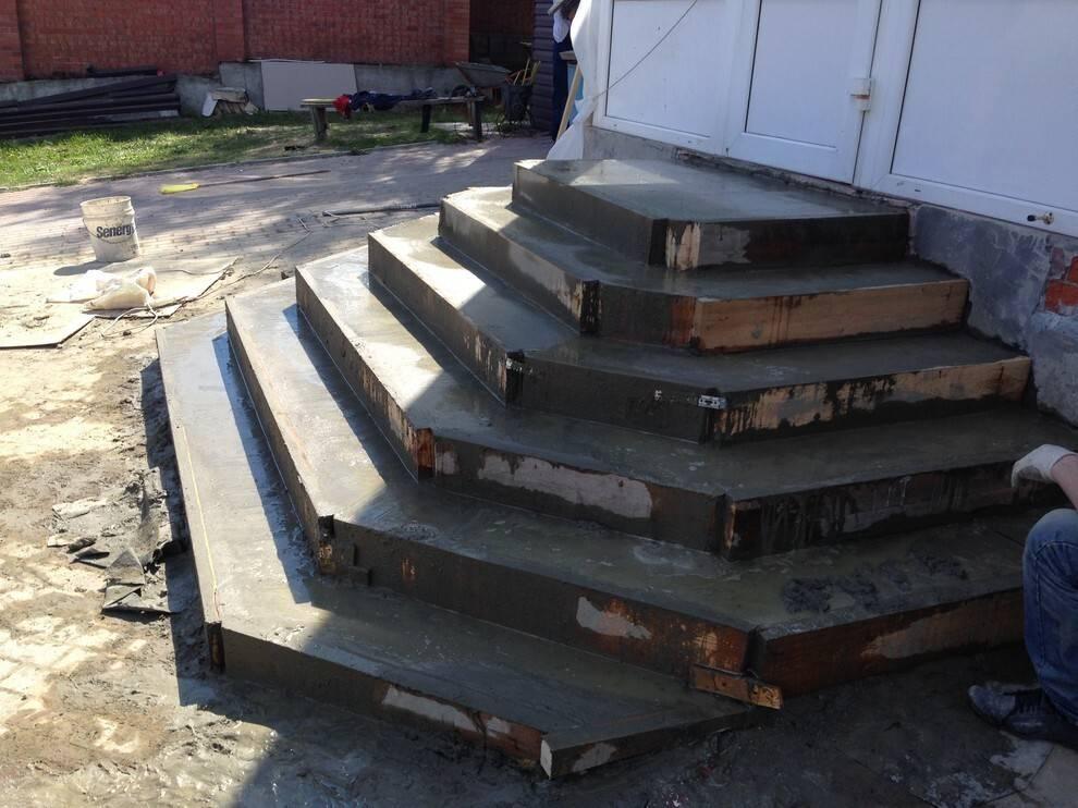 Как сделать крыльцо из бетона своими руками – советы специалиста