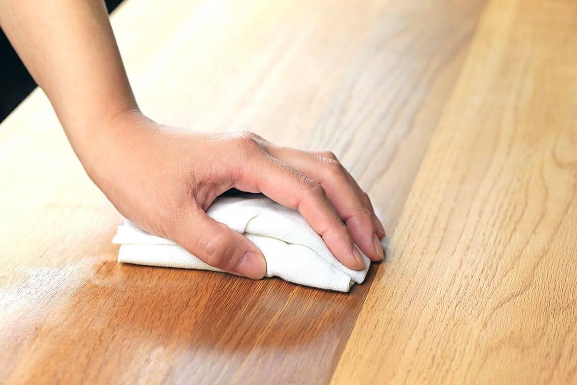Топ 25 средств, чем лучше почистить деревянную мебель от грязи