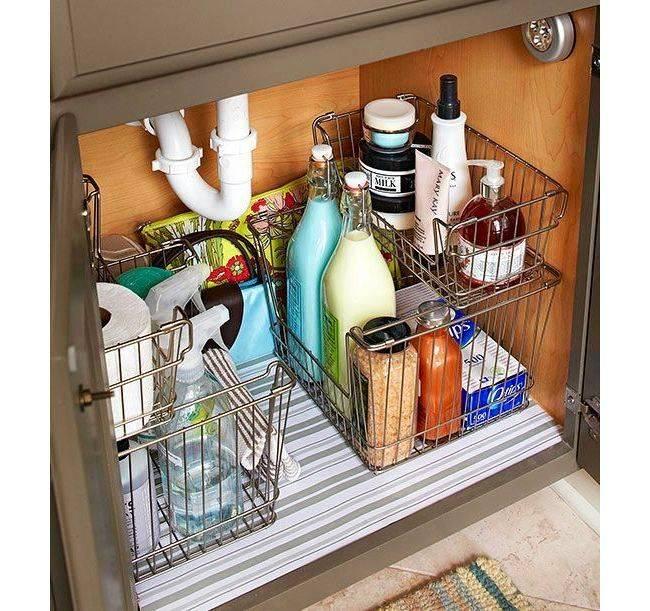 Шкафчик под окном на кухне фото