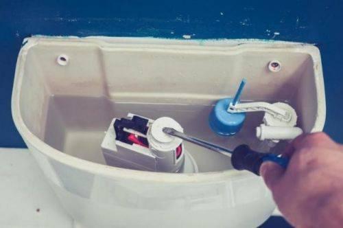 Что делать и как избежать появления засоров в канализационных трубах и быстро прочистить засор в канализации
