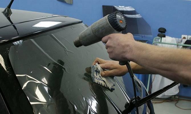 Тонировка стекол автомобиля своими руками (инструкция + видео-урок)