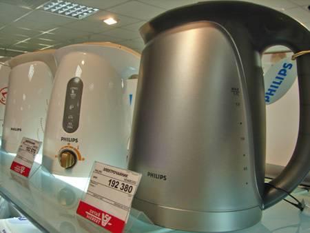 Как убрать запах пластмассы из электрического чайника: 8 способов