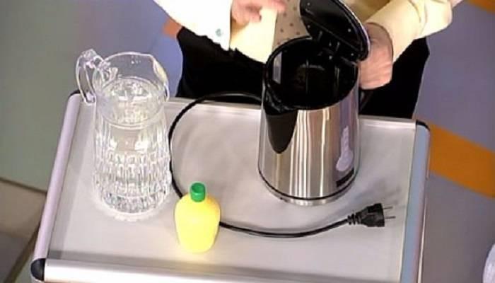 Почему чайник может пахнуть пластмассой, как это исправить