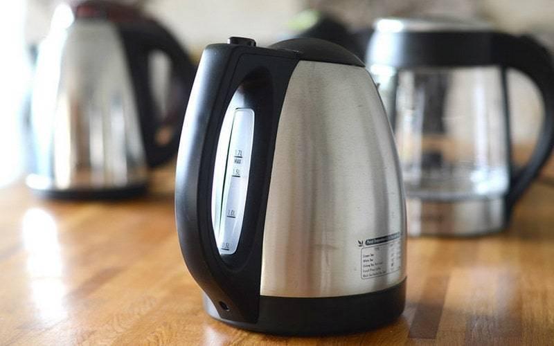 Что делать, если чайник неприятно пахнет пластмассой, советы хозяйкам