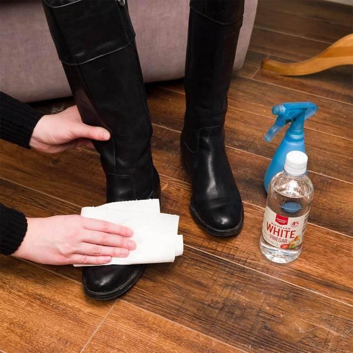 Как убирать остатки клея момент на одежде: чем можно очистить ткань