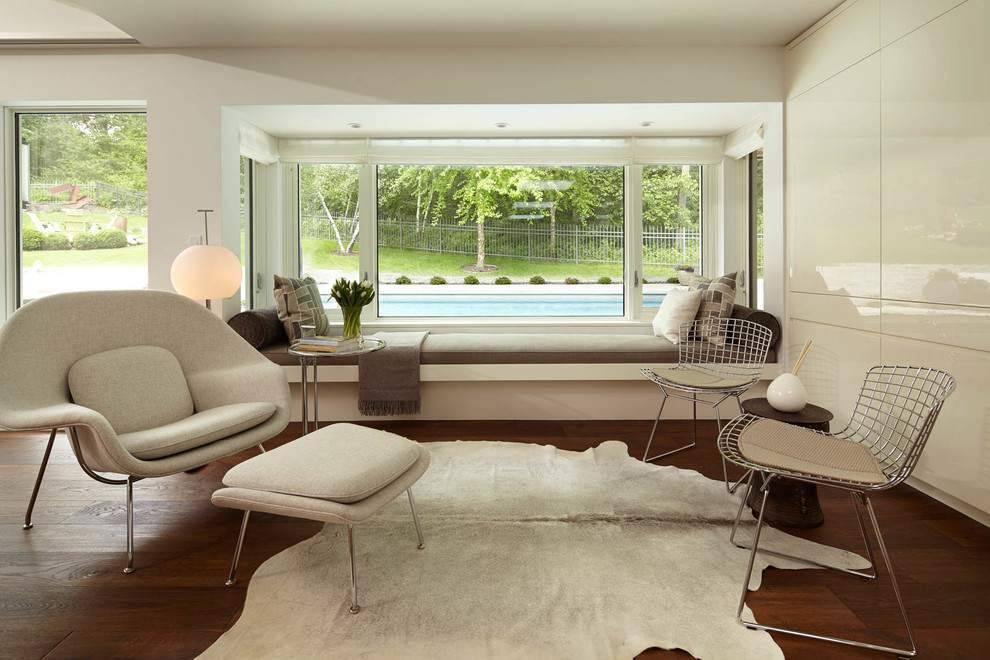 Дизайн комнаты с двумя окнами и больше: советы + 50 готовых решений с фото