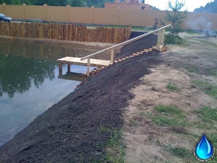 Как надежно укрепить берега садового пруда на даче своими руками