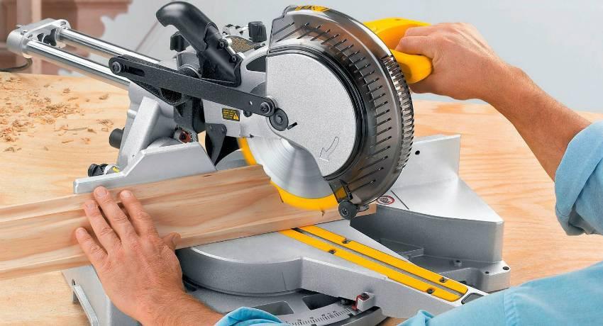 Как сделать торцовку из ручной циркулярки своими руками?