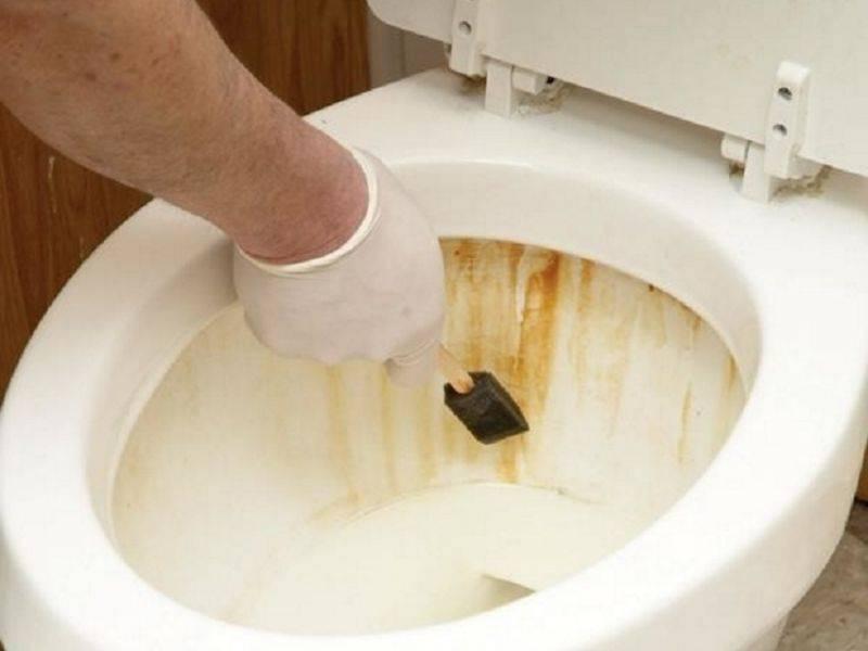 Как почистить бачок унитаза от ржавчины внутри: народные и специализированные средства