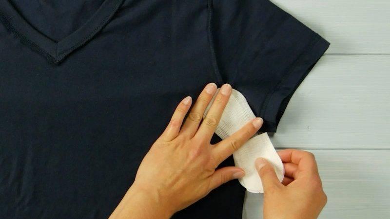 Убираем запах пота с одежды без применения стирки