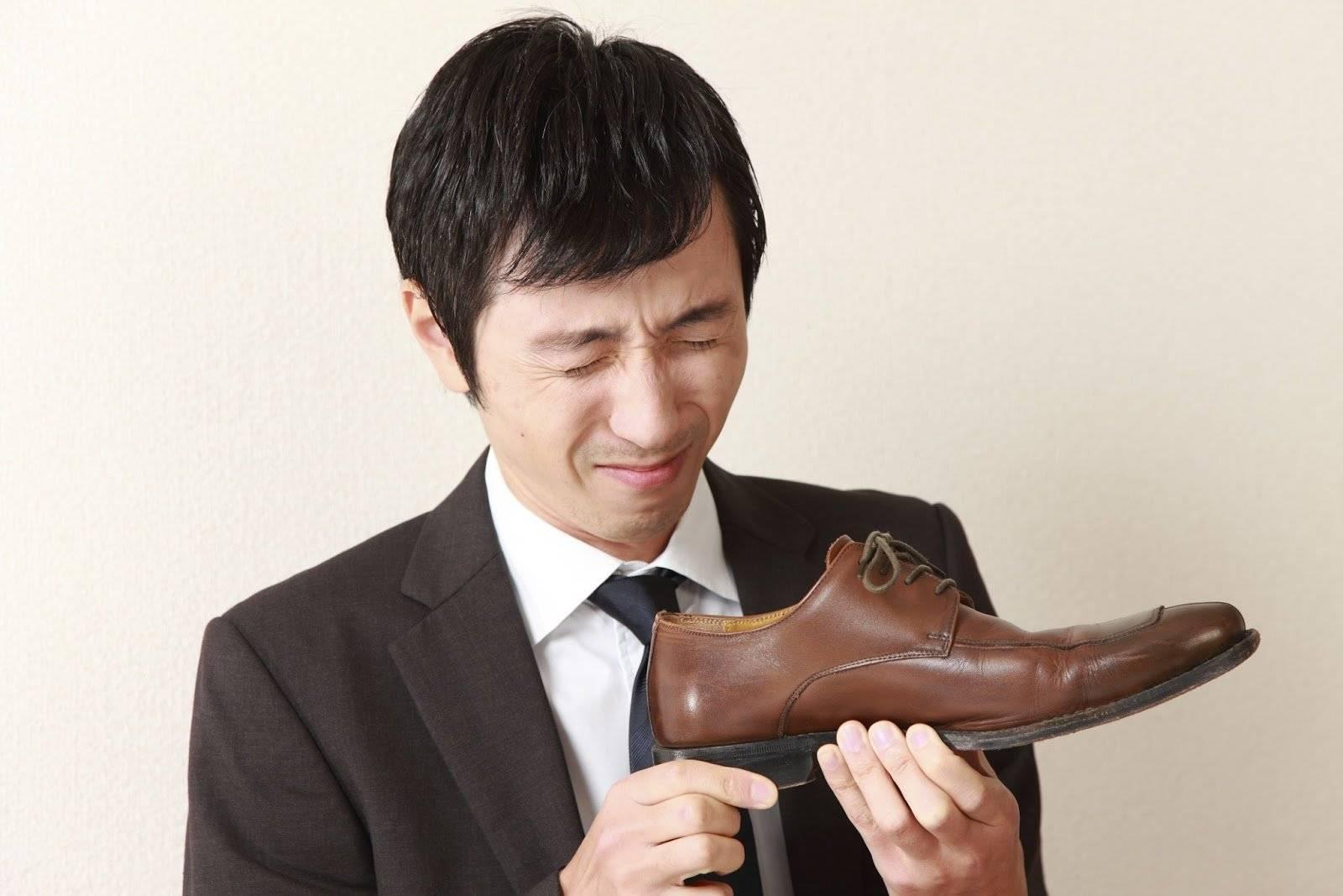 Как избавиться от запаха от обуви в домашних условиях