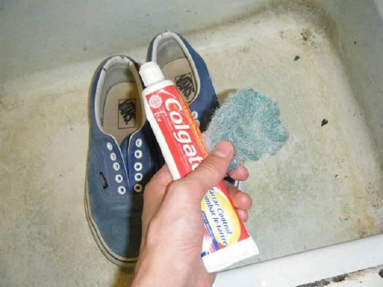 10 самых эффективных способов, как в домашних условиях очистить белую подошву кроссовок