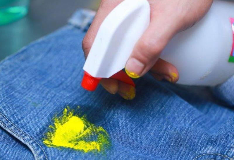 Чем смыть акриловую краску?