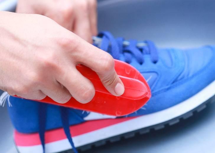 Вернем былую белизну! как отмыть белую подошву на кроссовках?