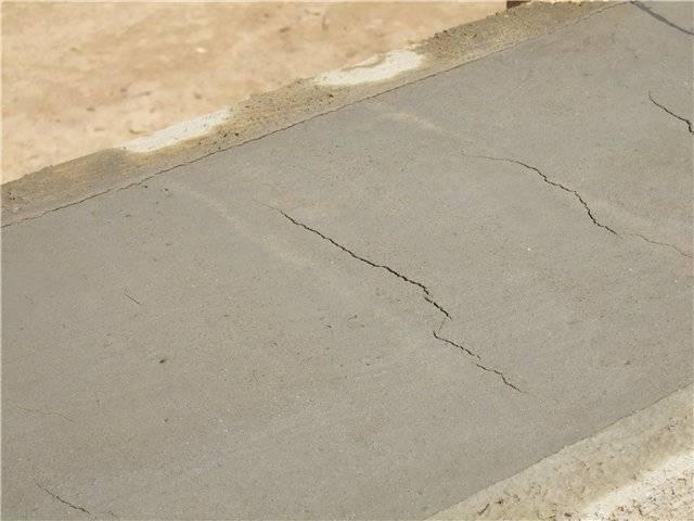 Трещины в фундаменте после заливки, в чем причина
