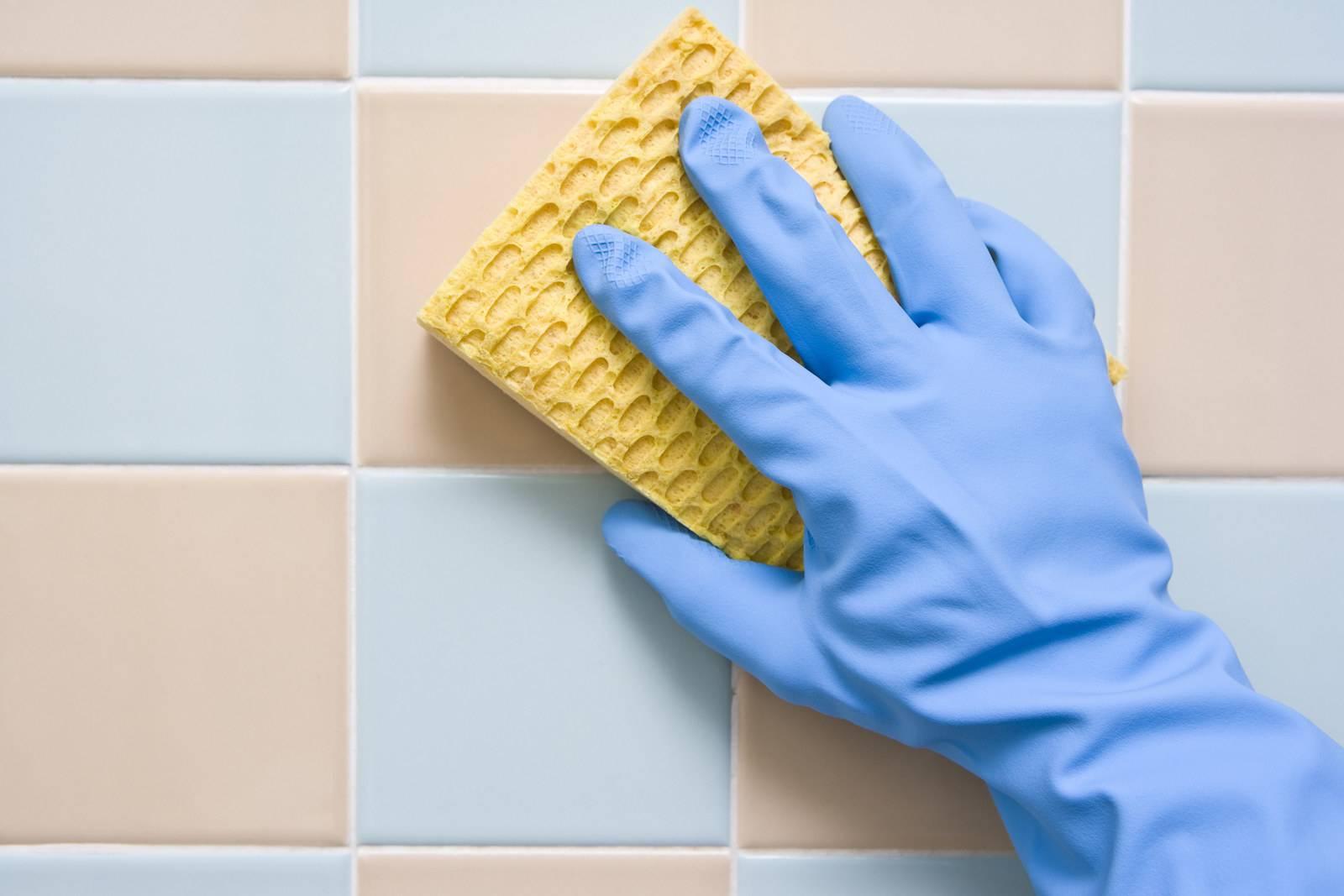 Проверенные и эффективные способы отмыть плитку после ремонта
