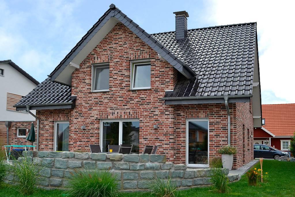 фото кирпичных двухцветных домов и коттеджей себя
