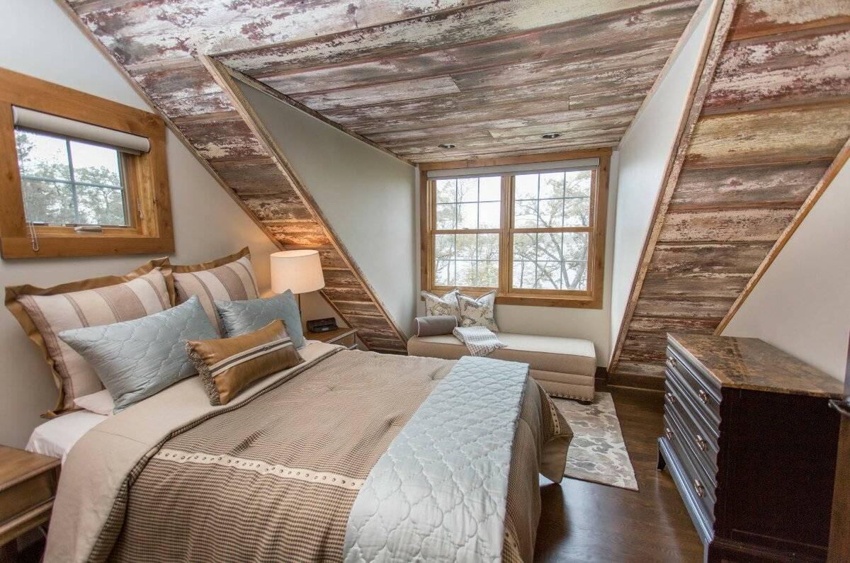 Обустройство спальни на мансарде: материалы, свет, цвет - 75 фото