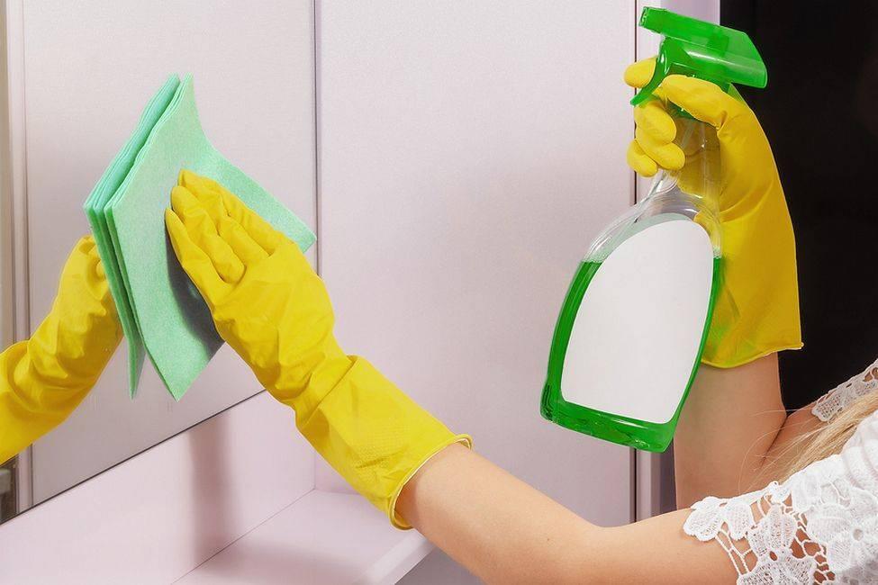Как помыть зеркало без разводов в домашних условиях до идеального блеска