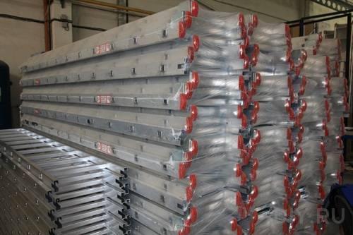 Алюминиевые конструкции, разумеется, в защитной окраске не нуждаются.