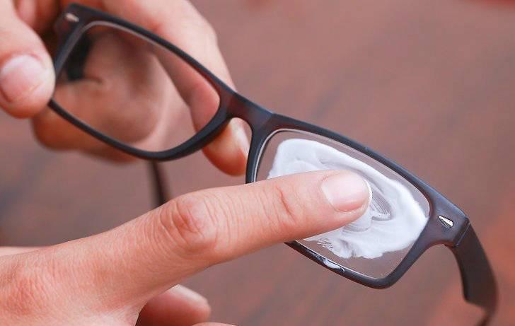 Как убрать царапины со стекла