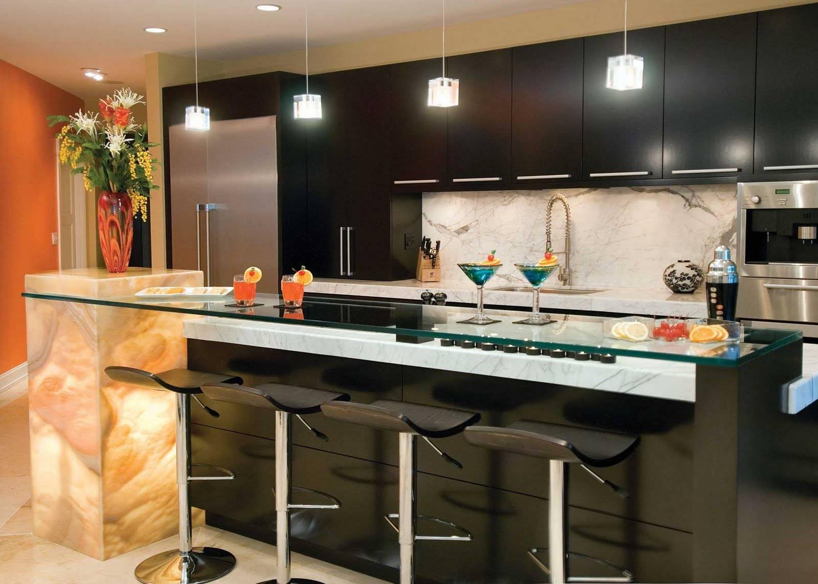 картинки кухни с барными стойками такого светильника