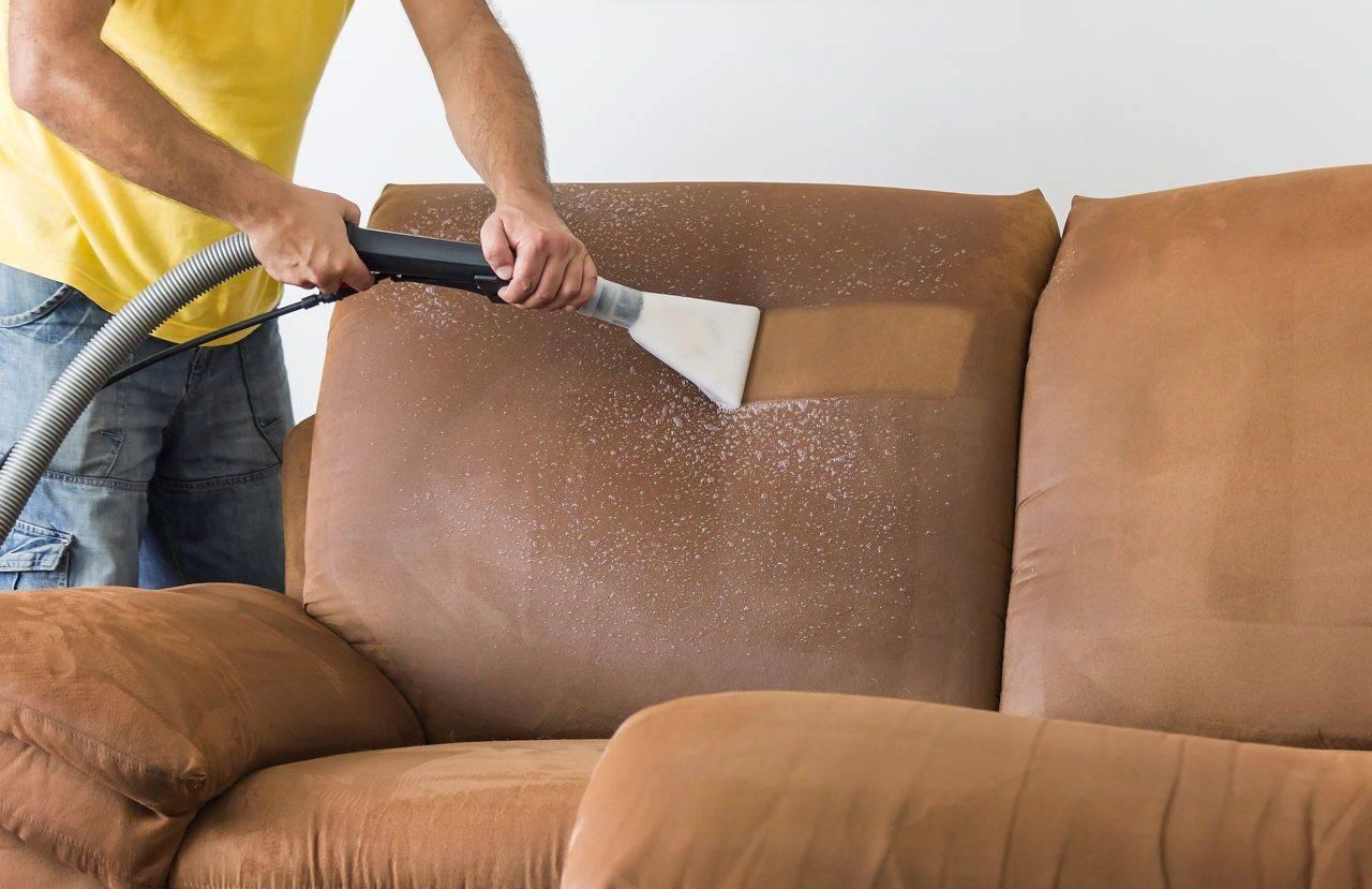 Правильный уход за полированной мебелью