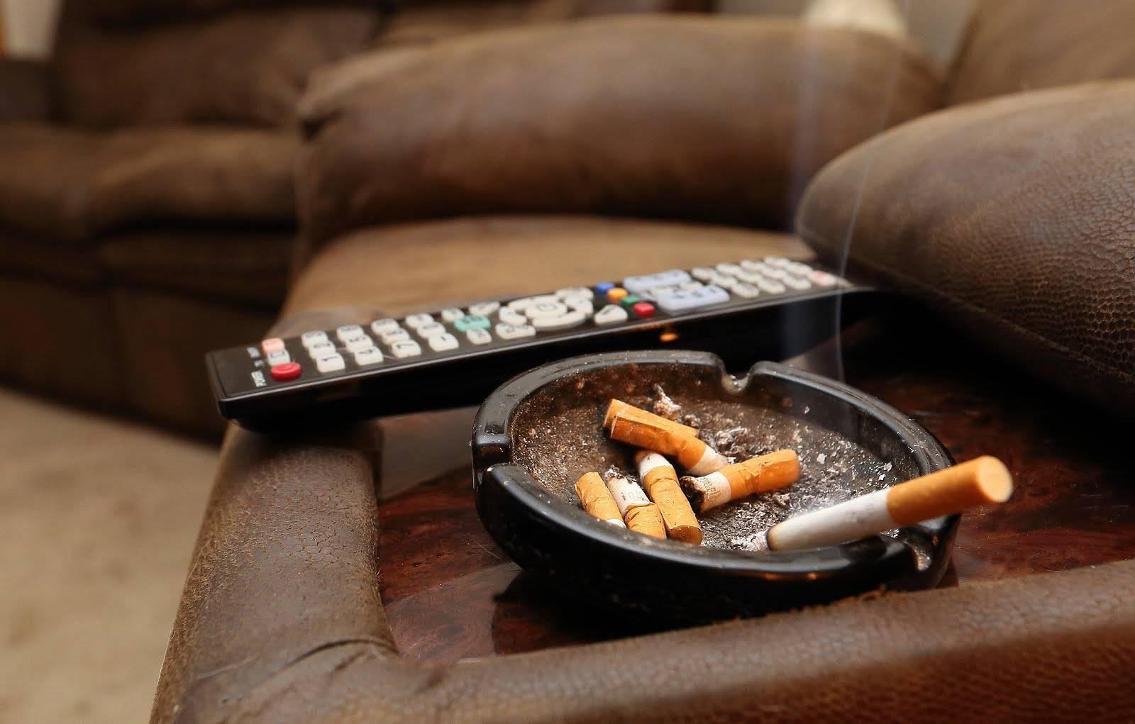 Как избавить вещи и квартиру от запаха табачного дыма