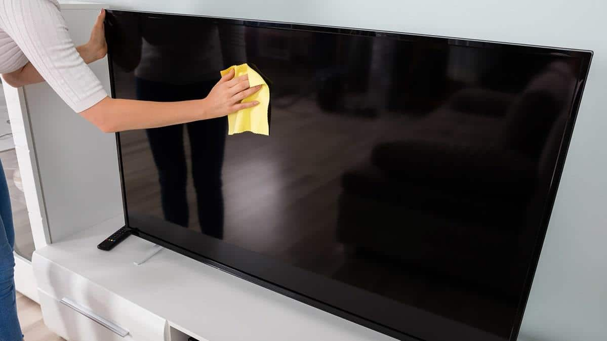 Чем почистить экран жк телевизора в домашних условиях