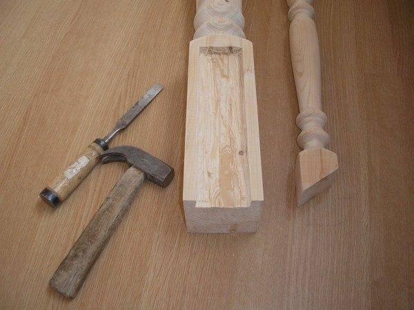 Балясина с подогнанным наклонным срезом (справа).