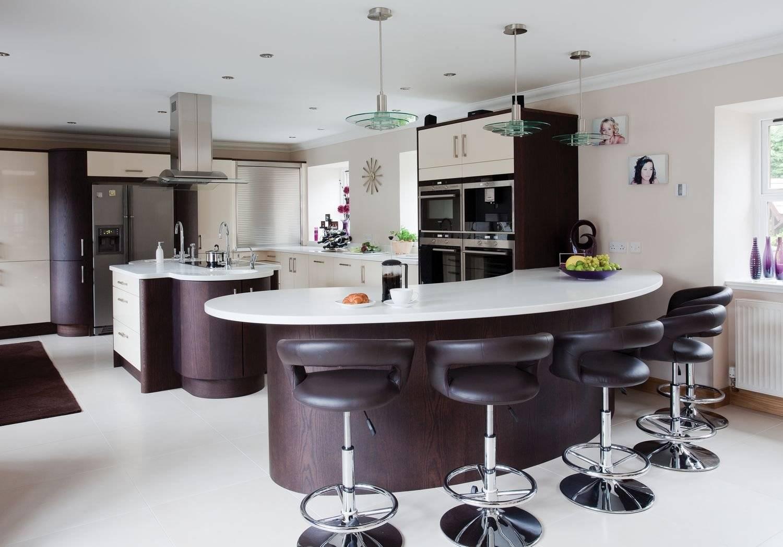 Дизайн зала в фиолетовых тонах фото степной кот