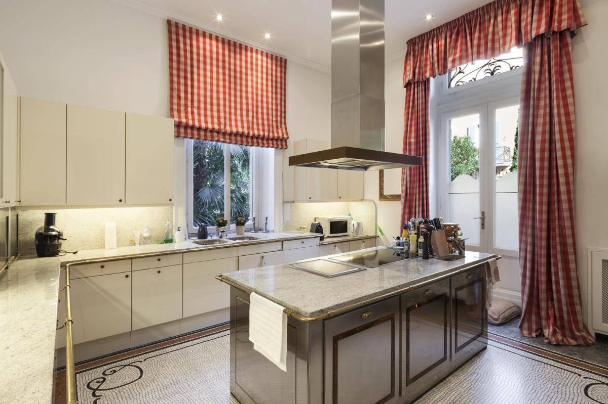 Шторы на кухню (126 фото) — современные идеи коротких и длинных занавесок
