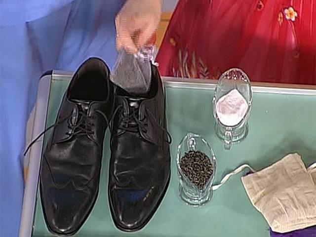Неприятный запах в обуви — причины и способы избавления