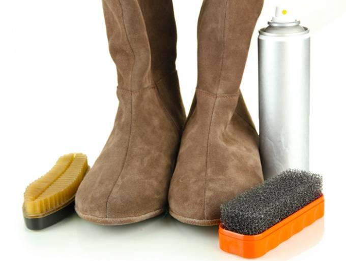 Как нужно чистить замшевую обувь в домашних условиях?